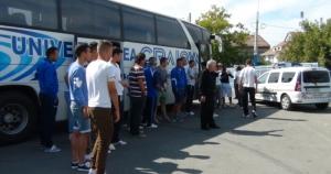 Napoli, Iancu e os jogadores do U Craiova em protesto no Ion Oblemenco (foto: Editie.ro)