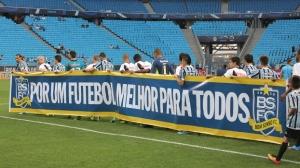 Jucatorii de la Vasco si Grêmio poarta unul dintre branduri - (Foto: ESPN Brazilia)