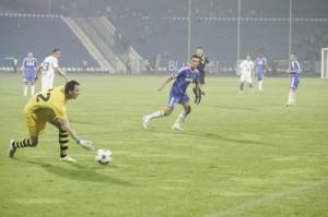 O goleiro Botoser fez boa atuação pelo Targu-Mures