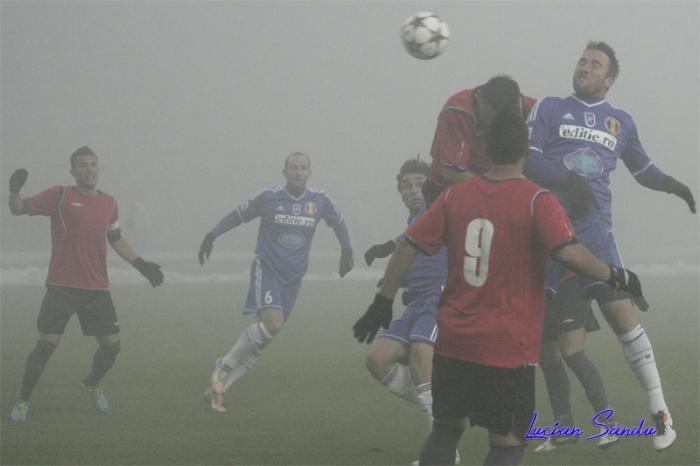 Baird desencantou e marcou os dois gols da partida (fotos: Lucian Sandu - Editie.ro)