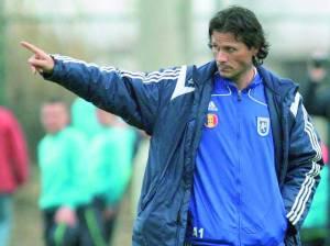 Napoli e torcedores pressionaram, e o italiano segue no U Craiova (foto: Darius Mitrache - Mediafax