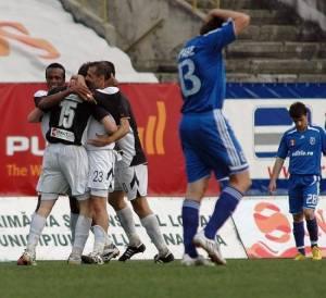 Em 2008, Erison venceu o Universitatea Craiova por 2x0 jogando pelo U Cluj