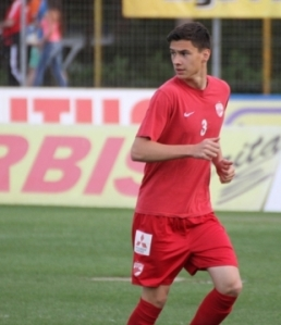 O jovem atacante Dorin Rotariu, de 18 anos, é um dos destaques da temporada do Dinamo (foto: Stiri de Sport)
