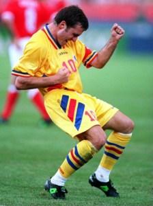Hagi comemora gol contra os EUA em 1994: Ele foi o astro daquela seleção