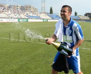Dacian Varga comemora de maneira antecipada o acesso. CSU pode continuar na Liga II (foto: Prosport)