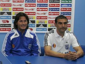 Gane era auxiliar técnico no FC Universitatea Craiova de Nicolò Napoli em 2007 (foto: Mediafax)