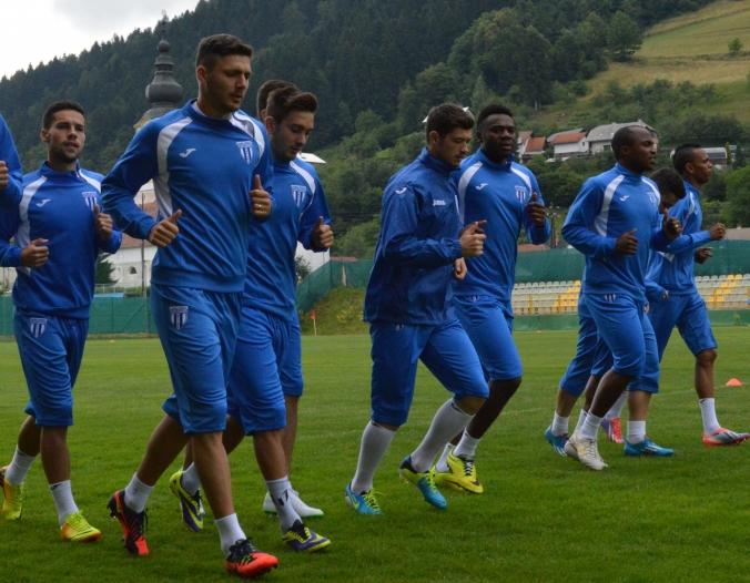 O CS U Craiova mudou tanto que não conseguiu manter o bom futebol da temporada passada, quando time era comandado pelo técnico Gavril Balint (foto: csuc.ro)