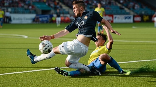 Rapa divide com Kastrati: defesa do Steaua teve trabalho na Noruega (foto: Sportsfile)