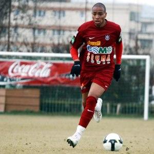 Álvaro Pereira disputou 29 partidas e fez um gol pelo CFR Cluj (Foto: NewsIn)