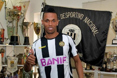 Nuno Rocha foi apresentado oficialmente e chegou a treinar no Nacional (foto: site oficial do Nacional)
