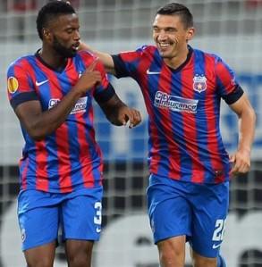 Varela e Keseru voltam a campo amanhã contra o Dinamo Kiev na 2ª rodada do grupo J (foto: AFP/Getty Images)