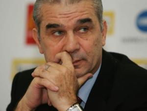 Iordanescu levou a Romênia ao 6º lugar na Copa de 1994 e pode voltar (foto: Mediafax)