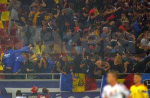 Membros de torcidas organizadas e seguranças entraram em confronto em meio a espectadores comuns (foto: Gazeta Sporturilor