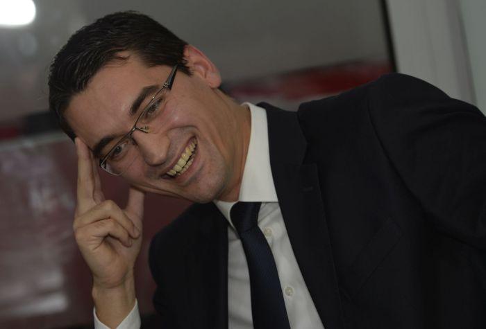 Razvan Burleanu foi eleito presidente da FRF aos 29 anos