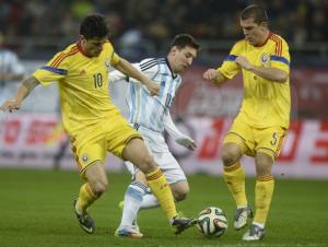2014 começou para a Romênia já de cara com Lionel Messi (foto: Gazeta Sporturilor)