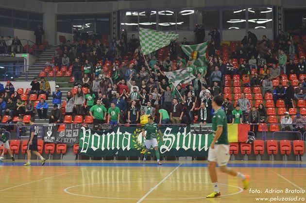 Turneul Celor Liberi reuniu quase duas mil pessoas num dia inteiro de futsal (foto: Adrian Bratoiu/Vointa Sibiu)