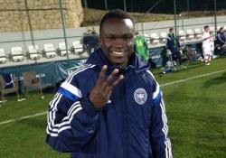 Jogador do Midtjylland, o meia ugandês naturalizado dinamarquês Pione Sisto, de 19 anos, estreou com hat-trick sobre o Dinamo (Foto: dbu.dk)