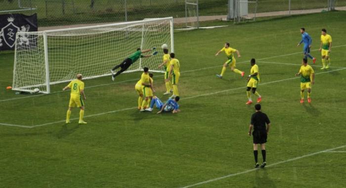 Varga quase marcou o gol de empate aos 41 do segundo tempo. O goleiro __ salvou (foto: csuc.ro)