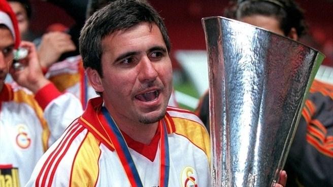 Em 2000, Hagi conquistou a Copa da UEFA com o Galatasaray