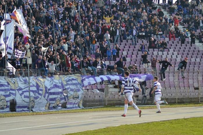 A Poli Timisoara (re)estreou no Dan Paltiniseanu com goleada no clássico (foto: Facebook Poli Timisoara)