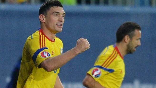 Keseru comemora o gol da vitória sobre as Ilhas Faroe (foto: AFP/Getty Images)