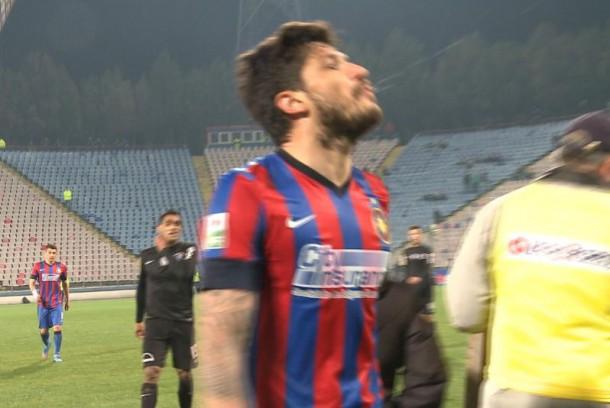 Tanase cuspiu em direção à torcida: a crise de identidade Steaua/FCSB colocam jogadores contra torcedores (foto: reprodução Dolce Sport)