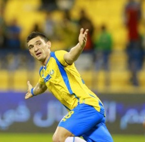 Keseru, ex-Steaua, marcou quatro gols pelo Al Gharafa numa goleada de 7x0 sobre o Al Shamal: convocação merecida