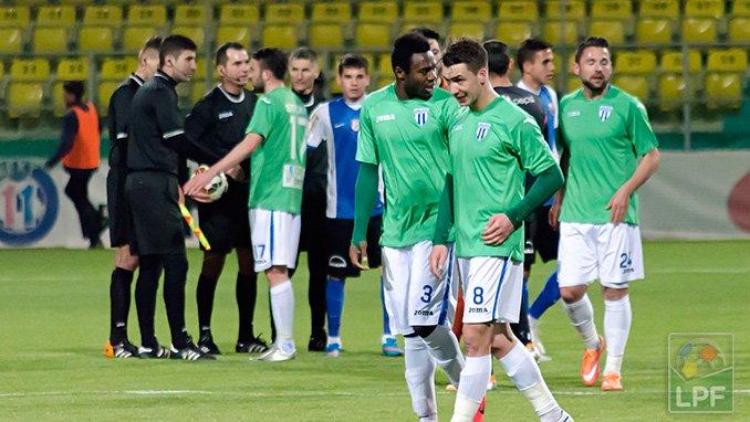 CS U Craiova - de verde (sic) - jogou sábado, ainda vai jogar amanhã e no dia 21 (foto: Alex Dobrescu/LPF)
