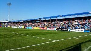 O Târgu Mures não perdeu ainda no Estádio Trans-Sil, e tem público acima da média do campeonato (foto: Facebook Târgu Mures)