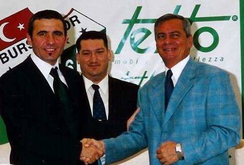 O Maradona dos Cárpatos chega ao Bursaspor em 2003: o primeiro trabalho em um clube (foto: bursaspor.org.tr)