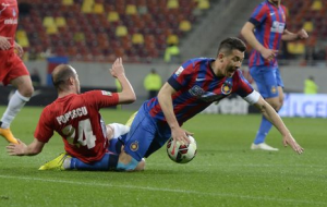 Prepelita pediu pênalti de Popescu, mas não foi atendido pelo árbitru Robert Dumitru (foto: Raed Krishan/GSP)