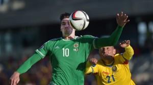 Lafferty desperdiçou uma grande chance para a Irlanda do Norte (foto: AFP/Getty Images)