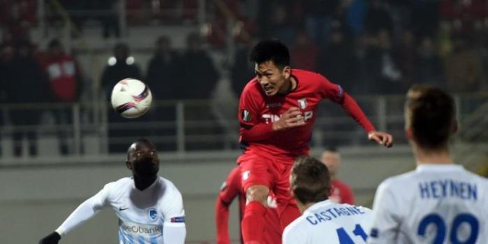 Takayuki voa para empatar aos 45 do segundo tempo