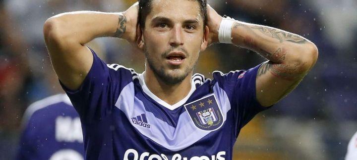 Stanciu começou questionado no Anderlecht, mas já começa a encontrar seu rumo