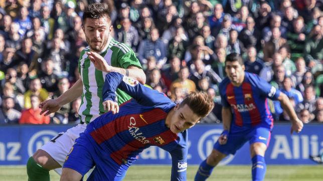 Tosca já estreou de cara contra o Barcelona (foto: EFE)
